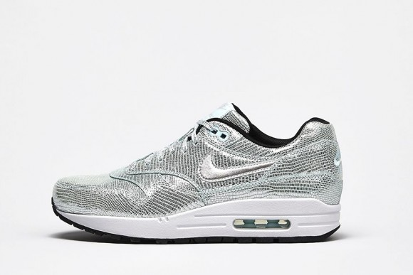 nike-wmns-air-max-1-qs-party-pack-now-available