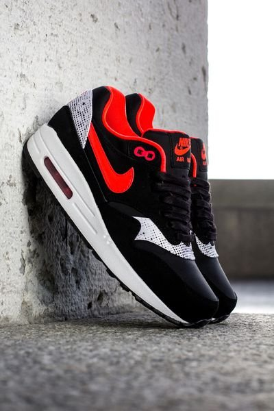 nike-wmns-air-max-1-saint-valentines-day-3