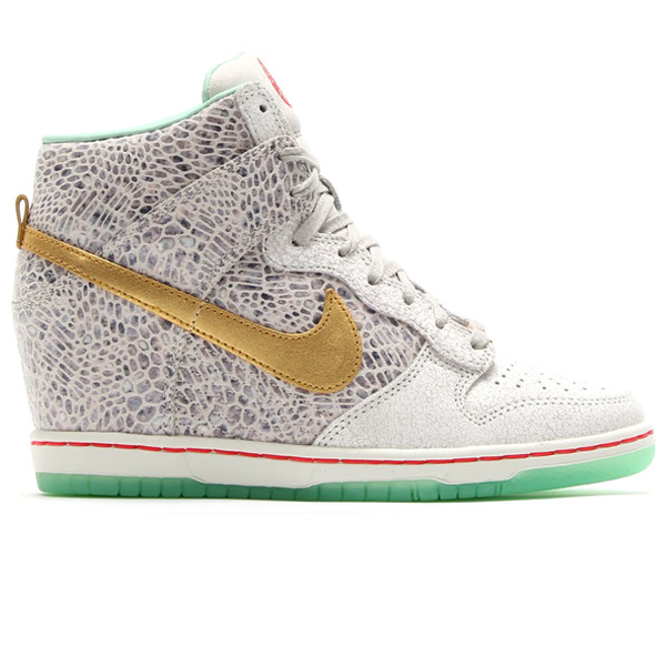 nike-wmns-dunk-sky-hi-year-of-the-horse-1