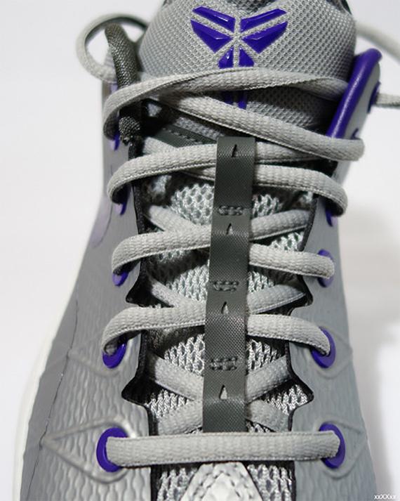 nike-zoom-kobe-venomenon-4-metallic-silver-purple-4