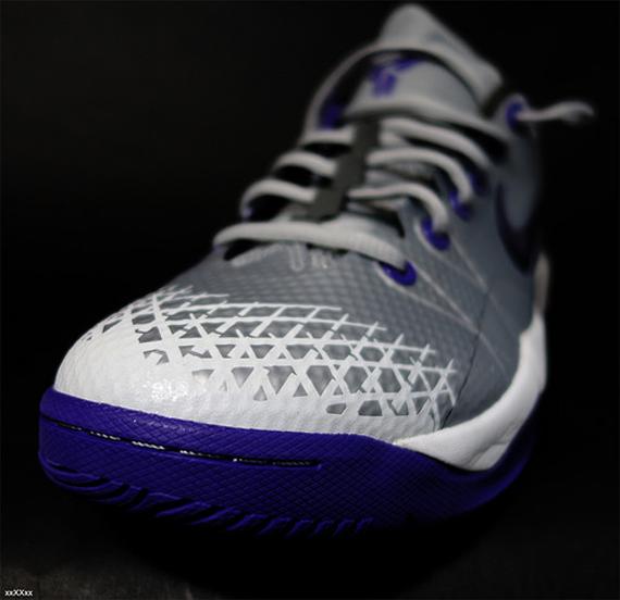 nike-zoom-kobe-venomenon-4-metallic-silver-purple-5