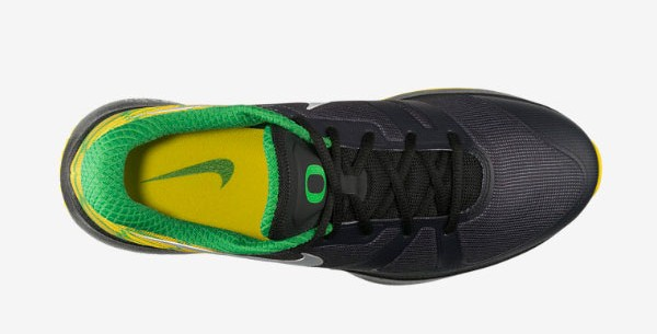 nike-zoom-speed-trainer-nrg-oregon-ducks-now-available-2