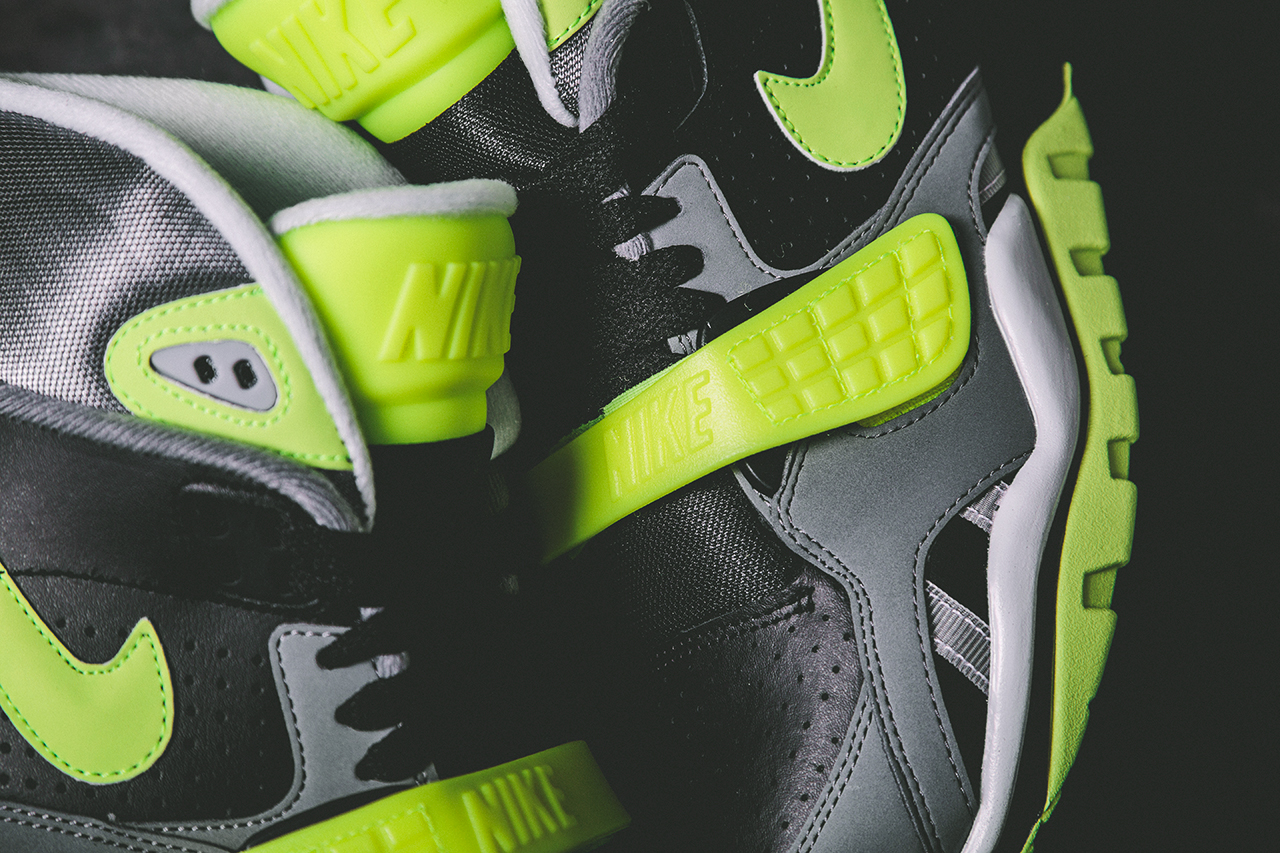release-reminder-nike-air-trainer-sc-ii-black-cool-grey-volt-1
