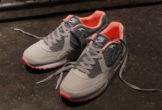 competitive price 00291 3321c well-wreapped mita sneakers x Nike Air Max Light PRM QS