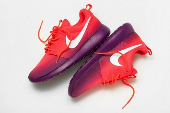 Nike Roshe Run Laser Crimson
