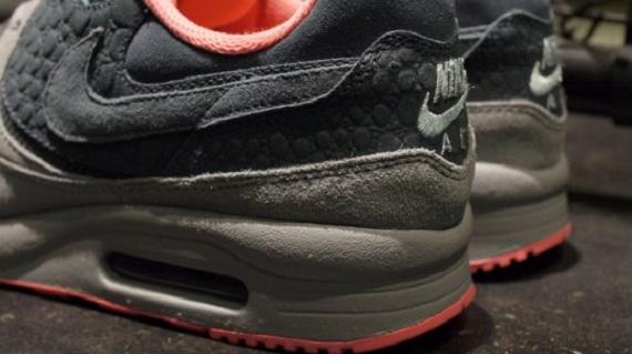 mita sneakers x Nike Air Max Light PRM QS