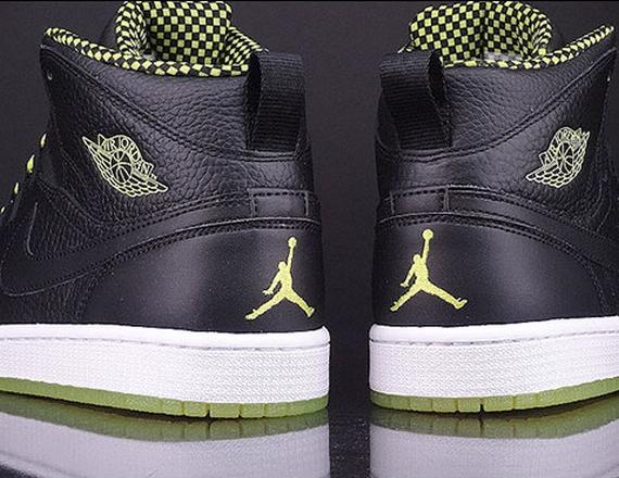 air-jordan-1-94-black-venom-green-black-release-date-info-4