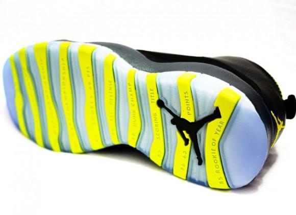 Air Jordan 10 Retro Venom Green Another Detailed Look