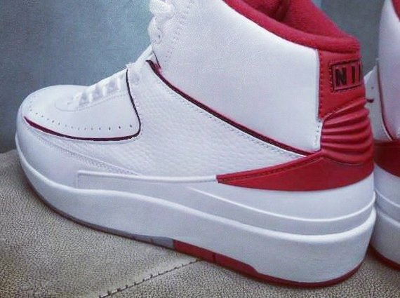 Air Jordan 2 White Red Retro Detailed Look