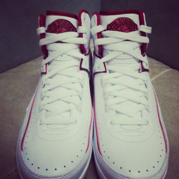 Air Jordan 2 White Red Retro Detailed Look