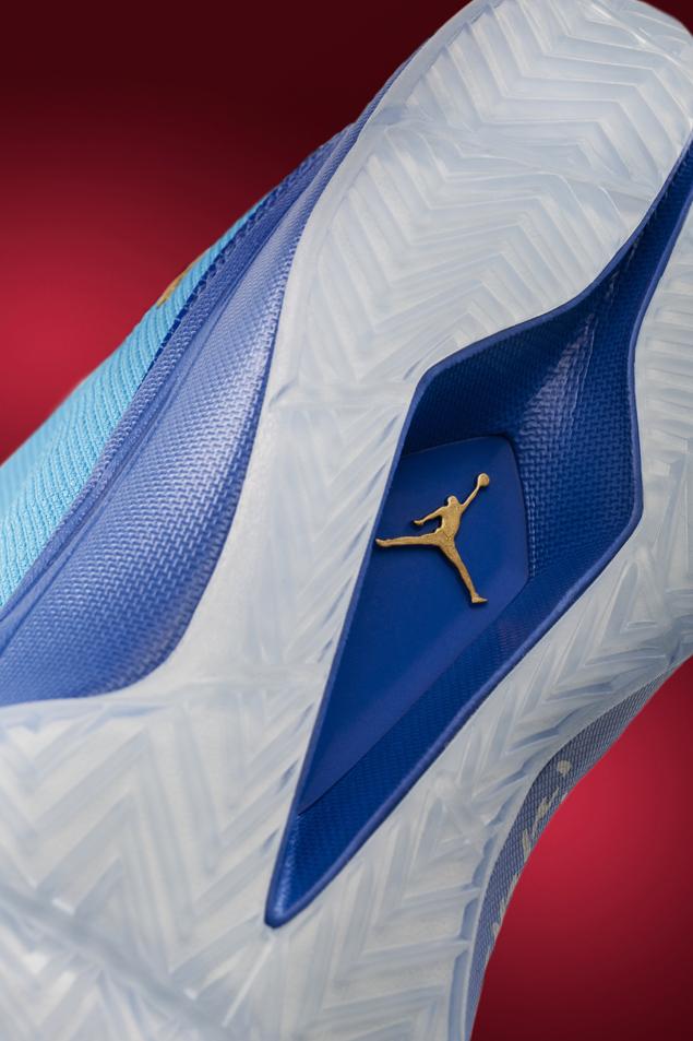 jordan-super-fly2-dark-powder-blue-metallic-gold-infrared-23-official-images-4
