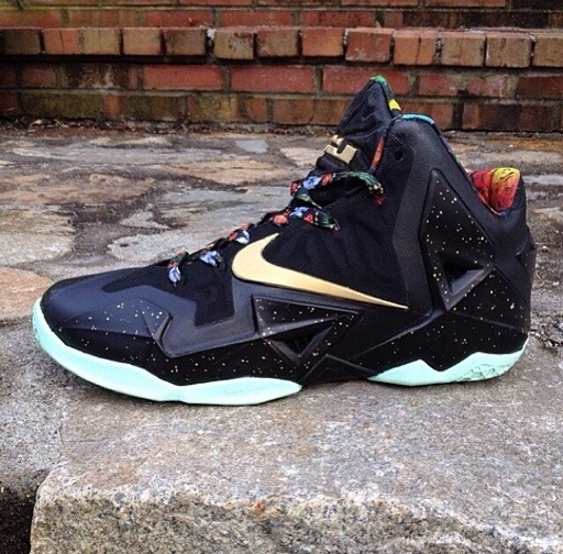 lebron-xi-11-watch-the-throne-by-fuda-customs
