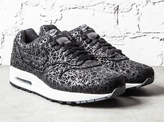 nike-air-max-1-geometric-black