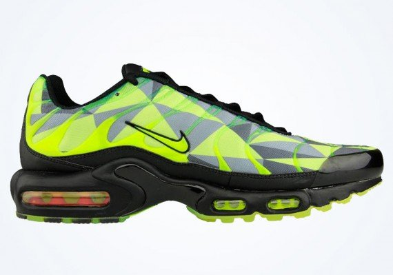 competitive price a8aa7 68065 Nike Air Max Plus – Volt – Black – Neon Green | SneakerFiles