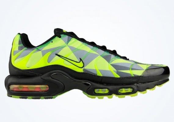 Nike Air Max Plus – Volt – Black – Neon