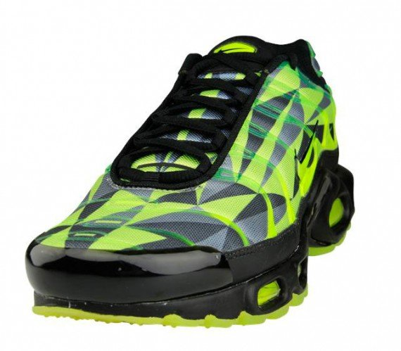 Nike Air Max Plus Volt Black Neon Green
