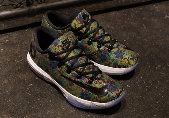 Nike KD VI (6) EXT QS Floral New Detailed Images