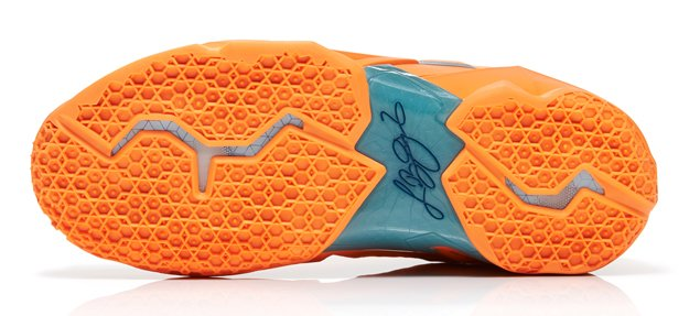 nike-lebron-xi-11-atomic-orange-green-abyss-glacier-ice-official-images-4
