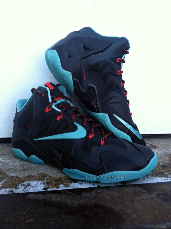 nike-lebron-xi-11-black-diffused-jade-light-crimson-jade-glaze-new-images-4