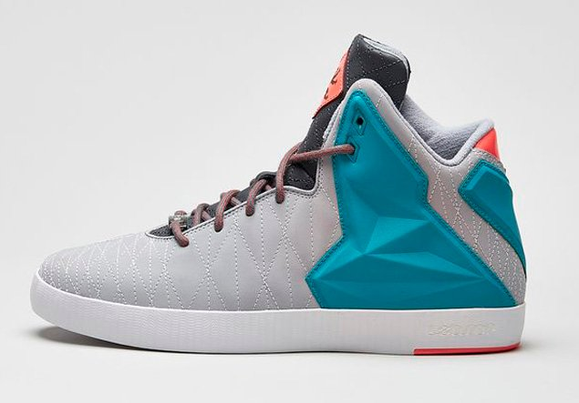release-reminder-nike-lebron-xi-nsw-lifestyle-wolf-grey-tribe-green-hyper-pink-2