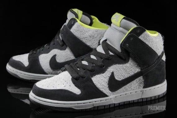 new style 762ff a2310 Nike SB Dunk High – Black Base Grey Venom Green   SneakerFiles