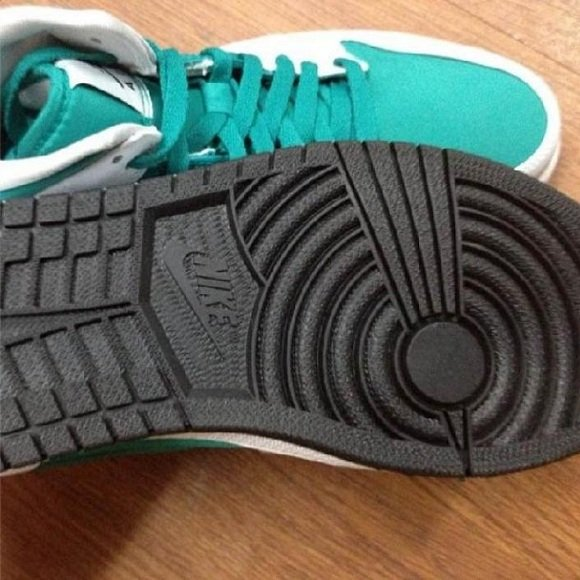 Air Jordan 1 White/Teal - Sneak Peek