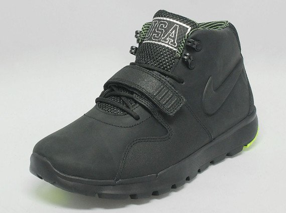 Nike Trainerendor Mid USA Now Available