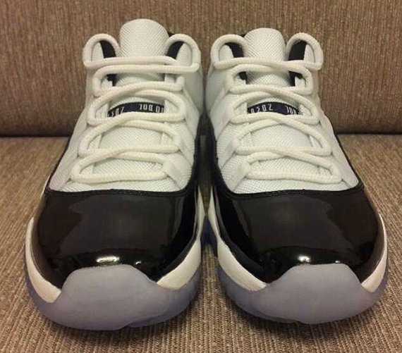 Air Jordan XI Low Concord Closer Look
