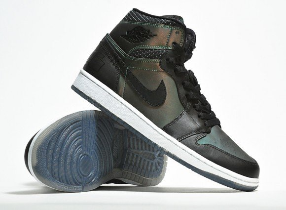 Nike SB x Air Jordan 1 Detailed Look