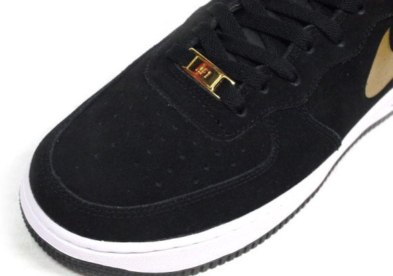 size 40 4d4bc a9398 Nike Air Force 1 Mid Black Metallic Gold White