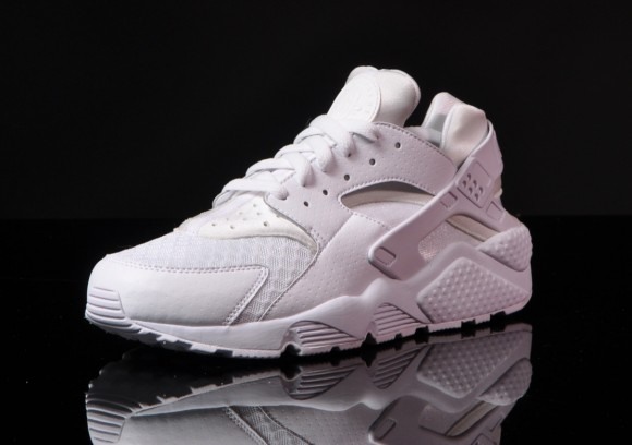 nike-air-huarache-white-pure-platinum-first-look