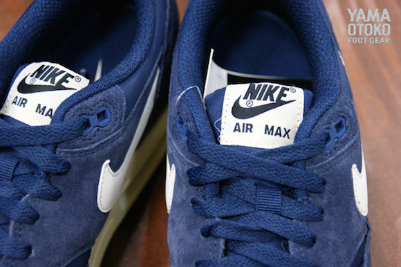 detailed look 00045 7baa0 ... Nike Air Max 1 Essential Navy Suede Pack Detailed Look ...