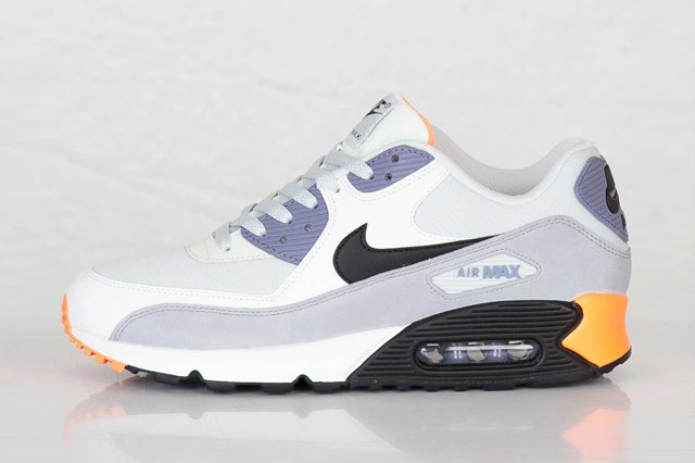 nike-air-max-90-essential-light-base-grey-black-iron-purple-atomic-orange-1