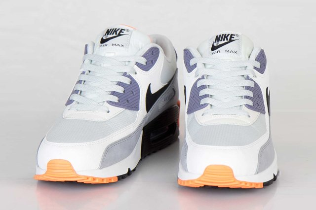 nike-air-max-90-essential-light-base-grey-black-iron-purple-atomic-orange-3