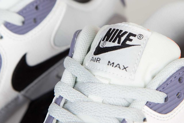nike-air-max-90-essential-light-base-grey-black-iron-purple-atomic-orange-4