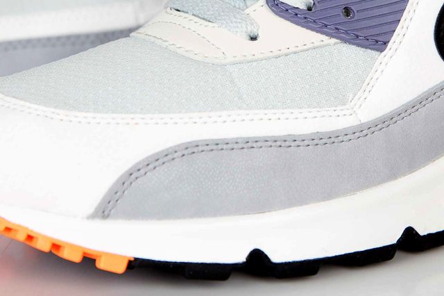 nike-air-max-90-essential-light-base-grey-black-iron-purple-atomic-orange-5