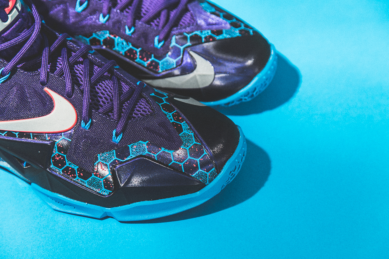 Nike LeBron XI (11) Hornets   A Closer Look