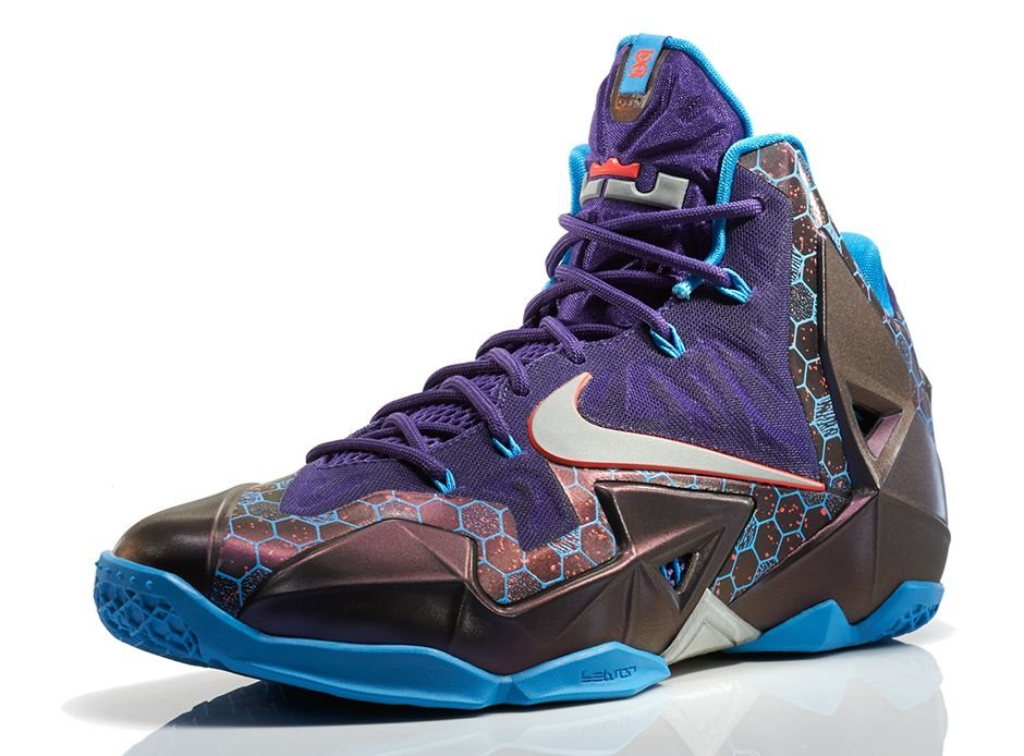 nike-lebron-xi-11-hornets-official-images-1