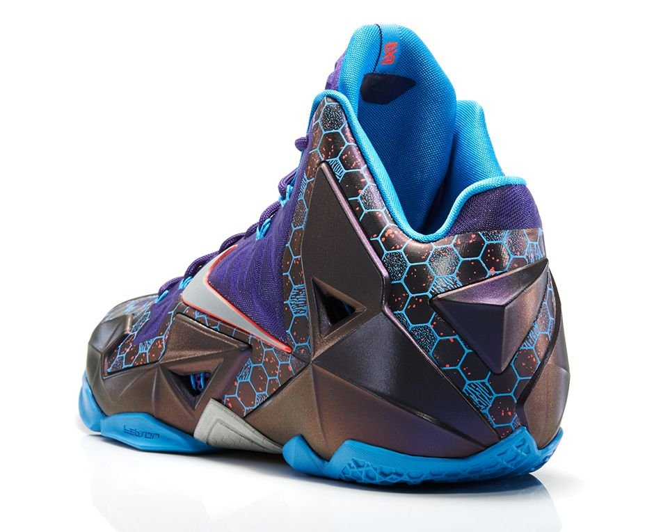 nike-lebron-xi-11-hornets-official-images-3