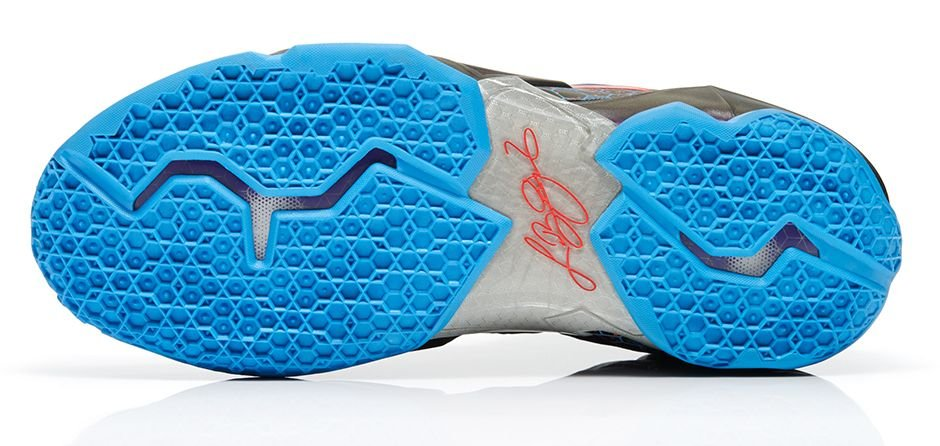 nike-lebron-xi-11-hornets-official-images-4