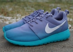 "Nike WMNS Roshe Run Print ""Gradient"" – Now Available"