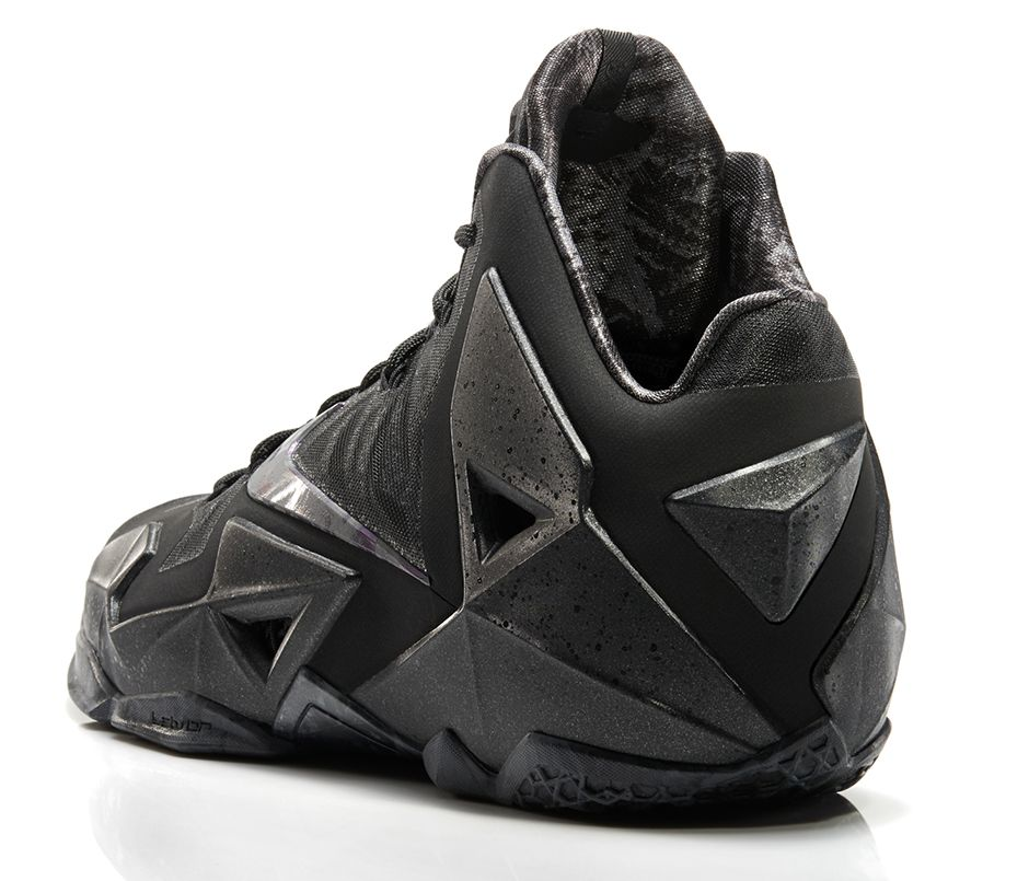 release-reminder-nike-lebron-xi-11-black-multicolor-anthracite-3