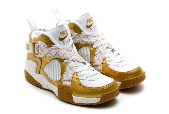 Nike Air Raid Metallic Gold - Detailed Pictures