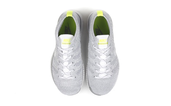 WMNS Nike Free Flyknit Chukka