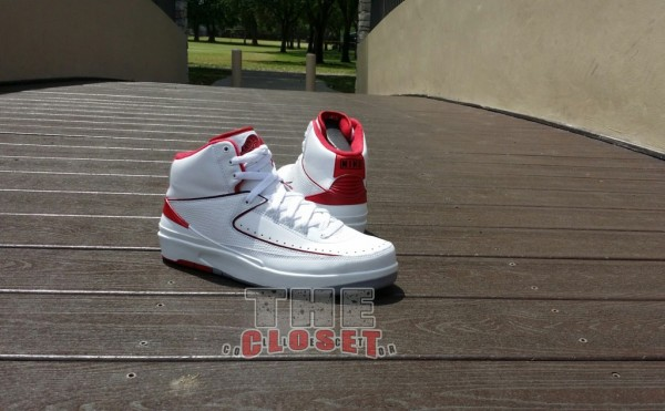 air-jordan-ii-2-white-varsity-red-neautral-grey-new-images-4
