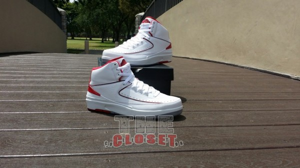 air-jordan-ii-2-white-varsity-red-neautral-grey-new-images-5