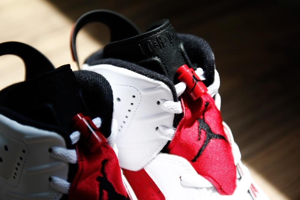 air-jordan-vi-6-white-black-carmine-a-closer-look-3