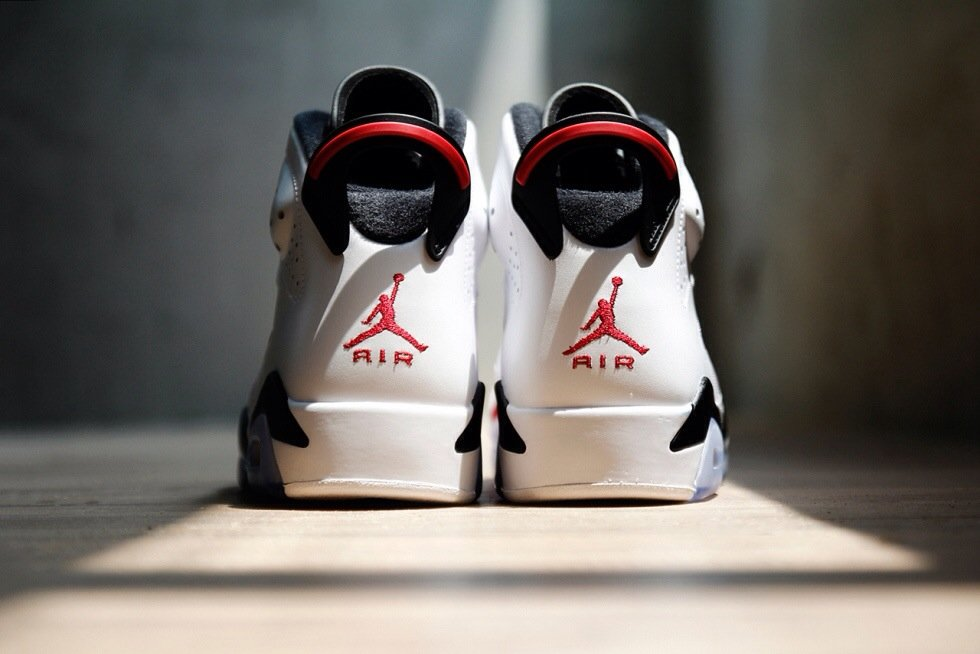 air-jordan-vi-6-white-black-carmine-a-closer-look-5