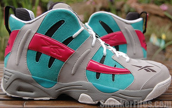 Detailed Look of the Spurs Reebok The Rail