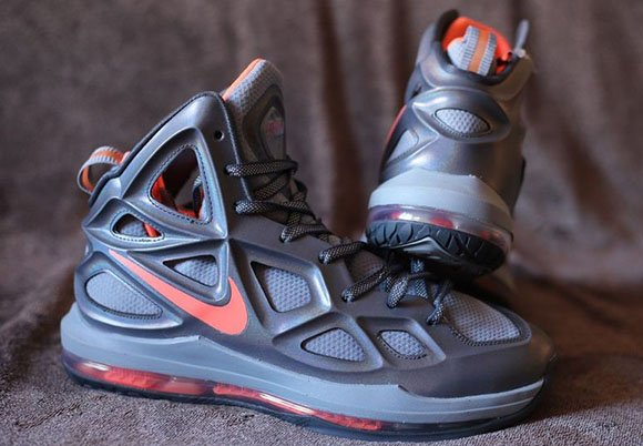 First Look  Nike Air Max Hyperposite 2014  4d36c8f49